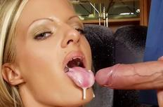 HD cum faced hottie!